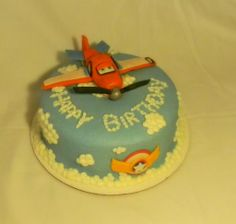 Dusty from Planes birthday cake