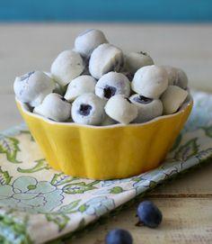 Yogurt Recipes: Frozen yogurt-covered berries