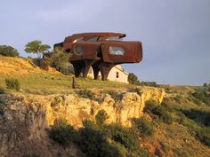 The Steel House Ransom Canyon, Texas The late architectural sculptor Robert Bruno began the 23-year-long construction of his Steel House in 1974. Description from pinterest.com. I searched for this on bing.com/images