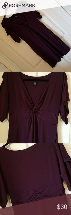 Laundry by Shelli Segal Dress. Sz 10. Maroon/Wine Laundry by Shelli Segal Dress. Sz 10. Maroon/Wine color. Split sleeves. Worn 3 times. Laundry by Shelli Segal Dresses