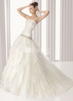 Form Fitting A Line Wedding Dress - http://casualweddingdresses.net/a-line-wedding-dresses-for-every-bride/