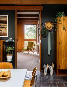 The Design Files Room Feng Shui, 1960s House, 1950s Decor, 1960s Home Decor, Palette, Melbourne House, Dining Lighting, Australian Homes, The Design Files