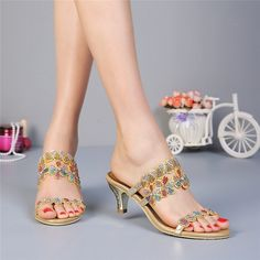 19 best Beautiful Wedding   Party Sandals images on Pinterest ... 115019e5a812