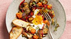 Need a meatless one-pot dinner? Try this tasty cross between ratatouille and shakshuka. Japanese eggplants, red peppers, and cherry tomatoes are roasted with garlic, then eggs are added and baked in the delicious mix of vegetables. Egg Recipes, Chicken Recipes, Dinner Recipes, Cooking Recipes, One Pot Vegetarian, Vegetarian Recipes, Healthy Recipes, Vegetarian Dinners, Veggies