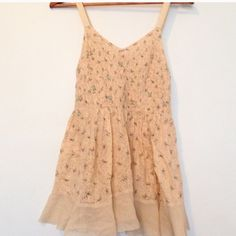 ✨ FREE PEOPLE ✨ In great condition❤️FLASH SALE ❤️ Free People Dresses Midi