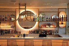 DesignLSM designed the interior scheme for the new Cinnamon Kitchen restaurant in Oxford, which features Caesarstone's White Attica quartz surfaces. Indian Architecture, Light Architecture, Restaurant Design, Visual Merchandising, Oxford Restaurants, Bar Counter Design, Uk Retail, Bar Design Awards, Villa