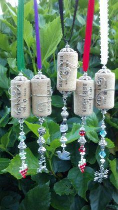 Wine Cork Ornaments Bottle Necklaces by CaliforniaCrownJewel Wine Cork Jewelry, Wine Cork Art, Wine Corks, Wine Craft, Wine Cork Crafts, Christmas Crafts, Christmas Ornaments, Snowman Ornaments, Christmas Tree