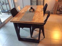 Mesa estilo industrial hecha a medida , hierro y madera, barcelona ciudad
