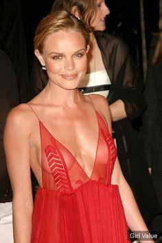 Kate bosworth boob