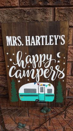 HAPPY CAMPERS SIGN – Kimber Creations Cottage Names, Cottage Signs, Camper Signs, Cup Hooks, Family Name Signs, Outdoor Signs, Rustic Wood Signs, Family Camping, Happy Campers