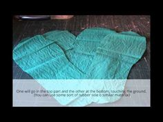 Through the window: Tutorial pantuflas patchwork / Patchwork Slippers Tutorial. Sewing Slippers, Felted Slippers, Quilting Projects, Sewing Projects, Colchas Quilt, Quilt Patterns, Sewing Patterns, The Quilt Show, Crafts To Make And Sell