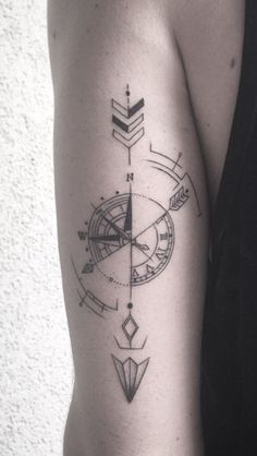Awesome Compass Tattoo Ideas – For Creative Juice diy tattoo - diy tattoo images - diy tattoo id Unique Tattoos, Small Tattoos, Tattoos For Guys, Tattoos For Women, Unusual Tattoo, Symbolic Tattoos, Compass Tattoo Design, Geometric Tattoo Design, Geometric Designs