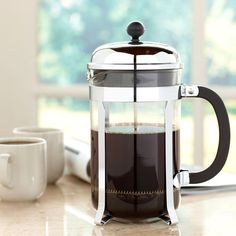 The original coffee press with a new polished look. Brews up to 12 cups of rich, flavorful coffee.