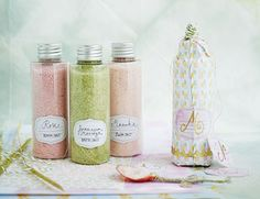 Badesalz selber machen - so geht's The Effective Pictures We Offer You About birthday crafts diy A q Homemade Gifts, Diy Gifts, Belleza Diy, Scandinavian Style, Handmade Cosmetics, Diy Presents, Birthday Crafts, Natural Cosmetics, Bath Salts