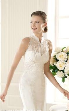 The high neck wedding dress! La Sposa Mundo #wedding #dress