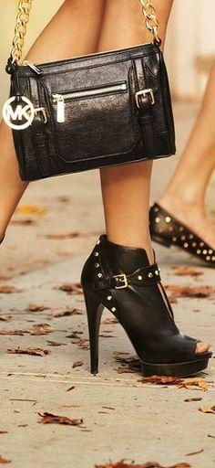 Michael Kors ~ Love the shoes too Handbag Accessories, Fashion Accessories, Handbag Stores, Shoe Boots, Shoe Bag, Mk Bags, Luxury Shoes, Handbags Michael Kors, Beautiful Shoes