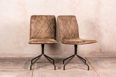 Upholstered swivel dining chairs from our retro style furniture range. Ideal for a restaurant, home office, kitchen or dining room. In stock now...