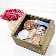 Get your #mothersdaygift orders in ASAP!! Let us help you pamper your #momma