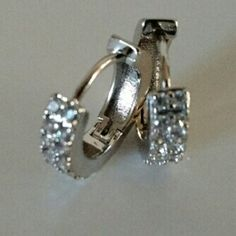 Earring Beautiful design hoop earring white stone with 18k white gold plated jewelry. No Trade. No Hold. No PayPal. Jewelry Earrings