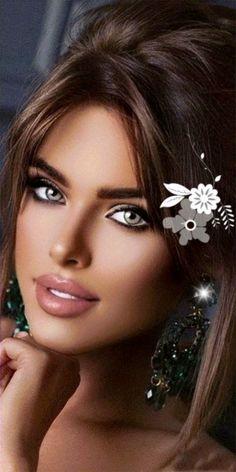 Beautiful Gif, Stunning Eyes, Beautiful Women, Perfect Brunette, Happy Birthday Fun, Fantasy Photography, Islamic Art Calligraphy, Covet Fashion, Brunette Beauty