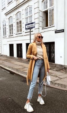 The best Street Style, Best Picture For casual summer outfits for curvy girl Winter Fashion Outfits, Fall Winter Outfits, Look Fashion, Autumn Fashion, Summer Outfits, Casual Winter, Winter Clothes, Winter Dresses, Hijab Fashion
