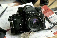 Camera Nikon - Ideas That Produce Nice Photos Despite Your Skills! Nikon Camera Lenses, Nikon Df, Leica Camera, Nikon Cameras, Camera Gear, Film Camera, Nikon 35mm, Camera Tips, Canon Lens
