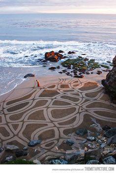 http://en.wikipedia.org/wiki/Ocean Into the #ocean.  ocean pic is one of my love.