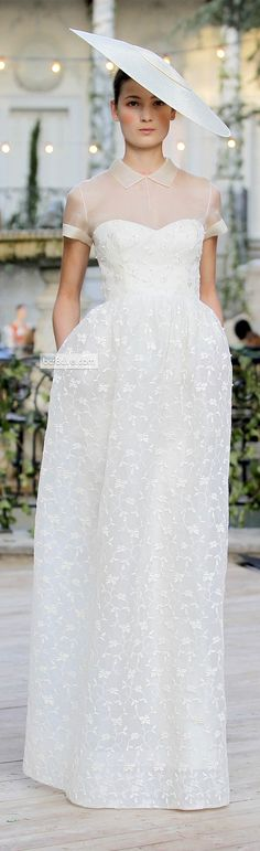 Jesus Del Pozo - - Jesus Del Pozo SS 2013 Very different, great hat to shield the eyes from the Caribbean & Mexican Sun Source by Beautiful Gowns, Beautiful Outfits, Bridal Gowns, Wedding Gowns, Bridal Hat, Modest Wedding, Glamour Moda, Full Gown, Gowns With Sleeves