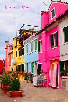 Burano, Italy - I need to go here!