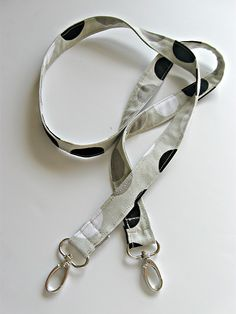 Long thin strap tutorial for a lanyard, keychain, or purse handle.