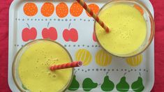This 5-minute mango-coconut smoothie might give you better skin