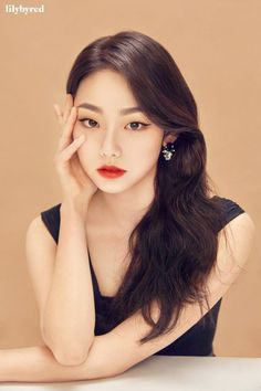 "Kang Mina, a member of the girl group GUGUDAN, is the new face of Lilybyred. ""The image of Kang Mina, who is both cute and sexy at the same time, Kpop Girl Groups, Korean Girl Groups, Kpop Girls, Anime Girls, Models Makeup, Makeup Brands, Ulzzang, Kim Chungha, A Girl Like Me"