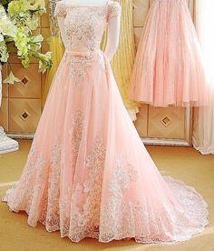 Pinterest: @cutipieanu Muslim Wedding Dresses, Pakistani Bridal Dresses, Wedding Dresses For Girls, Pakistani Dress Design, Party Wear Dresses, Party Wear Sarees, Pretty Dresses, Beautiful Dresses, Brides Mom Dress