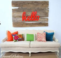 This hello sign is show-stopping cute! #springintothedream
