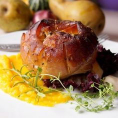 Pork shank in beer & honey with easy pumpkin puree. Delicious dinner! (scroll down for English)