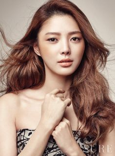 Uhm Hyun Kyung is Stunning is Her Pictorial with SURE Magazine Asian Actors, Korean Actresses, Actors & Actresses, Hyun Kyung, Meet Singles, Korean Entertainment, Absolutely Stunning, Celebs, Magazine