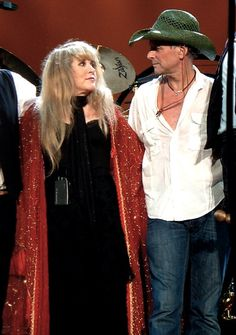 "Stevie Nicks & Lindsey Buckingham, ""do you know your hat is green?"""