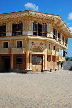 Casa Binondo Filipino Architecture, Philippine Architecture, Spanish Colonial Homes, Spanish House, Vernacular Architecture, Architecture Design, Filipino House, 3d Wallpaper Living Room, City Wallpaper