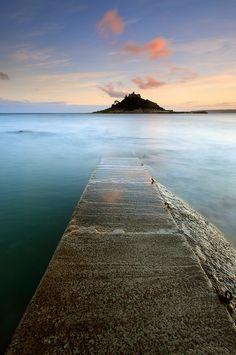 The Rising Tide by midlander1231 on Flickr.
