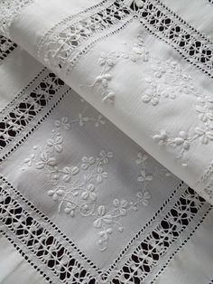 Charming little vintage linen traycloth.Hand embroidered whitework.