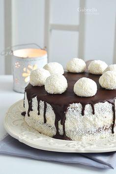 Hólabda torta - Milán 9. születésnapjára ❤ Hungarian Cake, Hungarian Recipes, Cookie Desserts, Sweet Desserts, Cake Recipes, Dessert Recipes, Confectionery, Winter Food, Creative Food
