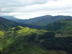 Ben Nevis, le plus haut sommet de Grande-Bretagne !   #bennevis #alainntours #scotland #mountain #travel   © Damien Du Toit Ben Nevis, West Highland Way, Brave Heart, Clouds, River, Landscapes, Films, Outdoor, Great Britan