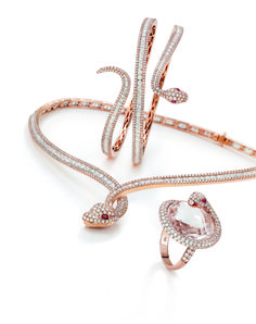 The Roberto Coin's Snake parure in rose gold and colourless diamonds.