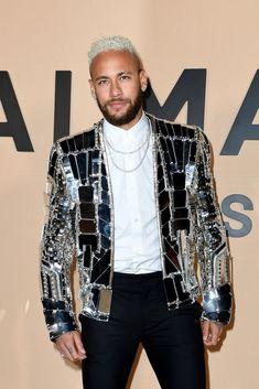 Brazilian Princess — Neymar attends the Balmain Menswear Fall/Winter. Neymar Jr, Neymar Football, Balmain, Neymar Brazil, Roman Reigns, Well Dressed Men, Psg, Mens Suits, Sexy Men
