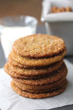 Molasses Ginger Cookies with Fresh Ginger, Vietnamese Cinnamon, and Sparkling Sugar Delicious Cookie Recipes, Sweets Recipes, Yummy Cookies, Easy Desserts, Ginger Molasses Cookies, Ginger Snap Cookies, Dessert From Scratch, Best Cookies Ever, Cuisine