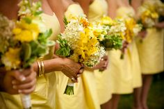 #Yellow #bridesmaids with yellow #bouquets | Shane Godfrey Photography