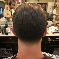 Long trim Slickback, Taper. #onlyclassicnoshit #oldschoolbarber #pompoholics #haircut #reuzel #ЧешИровНо #top10barbers Slick Hairstyles, Fancy Hairstyles, Cool Haircuts, Haircuts For Men, Old School Barber, Barbers Cut, Slicked Back Hair, Male Grooming, Pompadour