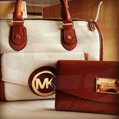 Michael Kors Wallet Make Offer Good condition just downsizing. Michael Kors Bags Wallets