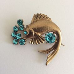 VINTAGE JEWELLERY SIGNED EXQUISITE BLUE AQUA RHINESTONE GOLD TONE FISH BROOCH | eBay
