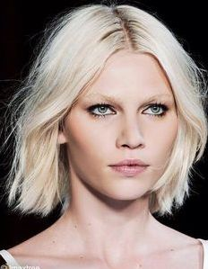 Blunt bobs with middle part are in! Go ahead, chop off all that hair! #heathsalonandspa